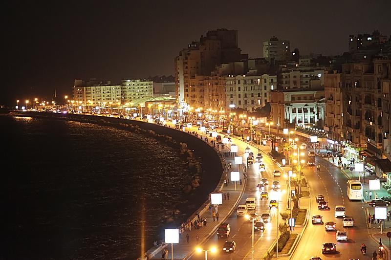 Alessandria d'Egitto, abitandoci.